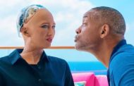 Will Smith tries to make out with Sophia the robot, and it does not go well