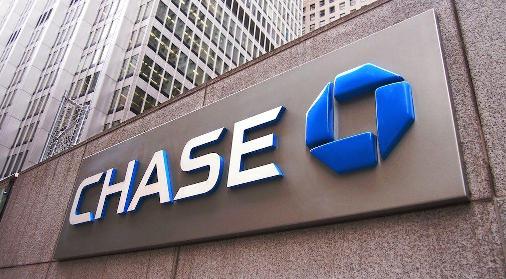 Mortgage origination volume creates drag on JPMorgan Chase earnings growth