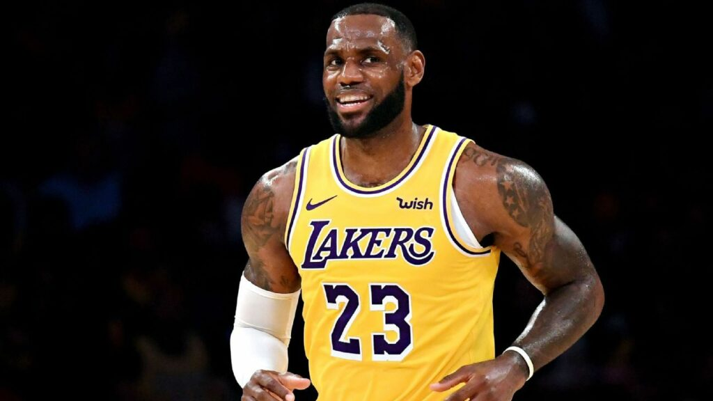 Can LeBron attract a superstar free agent to the Lakers?