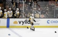 Guentzel's hat trick rallies Pens past skidding Ducks 7-4