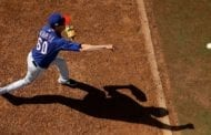 Rangers' Farrell struck by liner, fracturing jaw