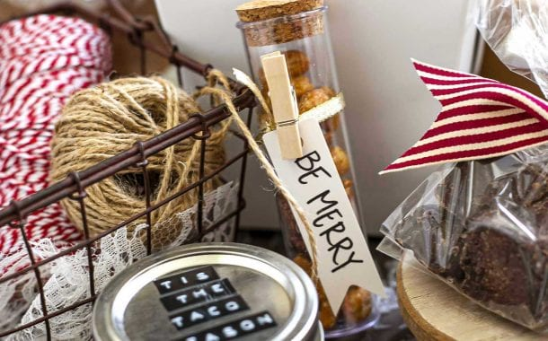 Easy Ways to Beautifully Package Your Edible Gifts