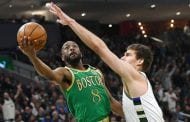 Celtics' Walker has knee drained, gets injection