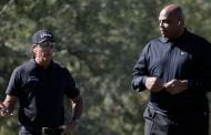 Follow live: What's happening in Charles Barkley/Phil Mickelson vs. Steph Curry/Peyton Manning