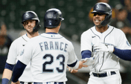 Kyle Lewis' late three-run blast lifts Mariners to 5-2 win over Orioles