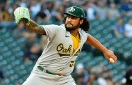 Sean Manaea sits down 13 Mariners in A's 4-1 victory