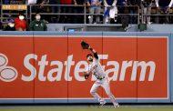 Giants win as fierce wind denies Dodgers tying HR