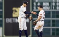 Time's up: Altuve, Correa down Red Sox with HRs